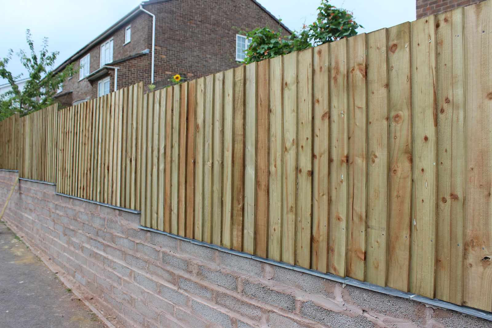 large.fence.jpg